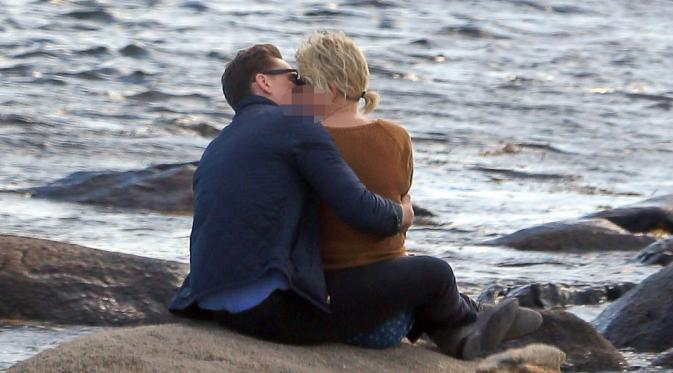 Tom Hiddleston dan Taylor Swift