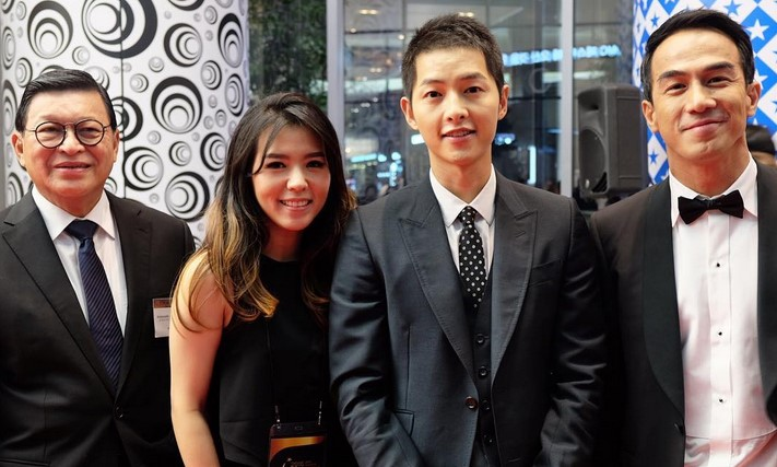 joe-taslim-foto-bareng-song-joong-ki-di-apan-star-awards-bikin-fans-indonesia-ngiri