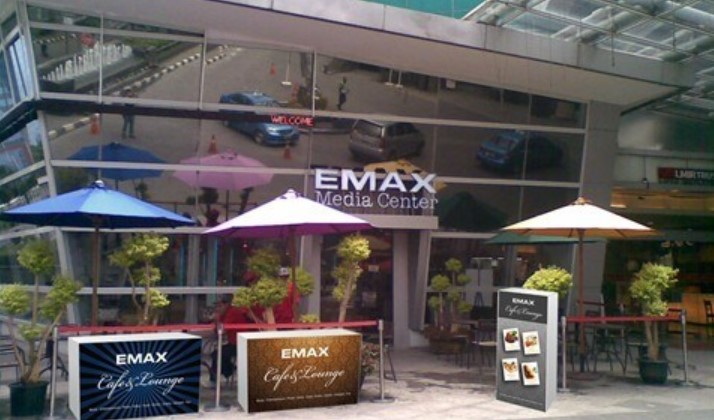 Emax Cafe and Longue