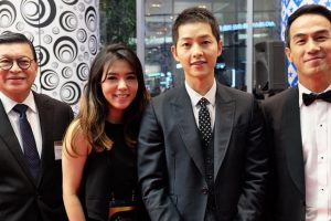Joe Taslim Foto Bareng Song Joong Ki di APAN Star Awards, Bikin Fans Indonesia Ngiri