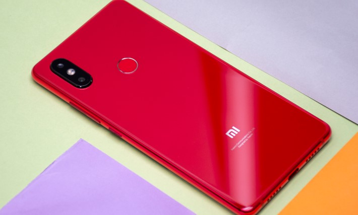Murah! Xiaomi Mi 8 Youth Bawa Kamera 24 MP dan RAM 8 GB